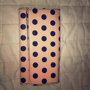 Polka dot wallet. Many card holders.